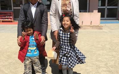 ラオス人姉弟が、長崎市の西浦上保育園に入園しました。